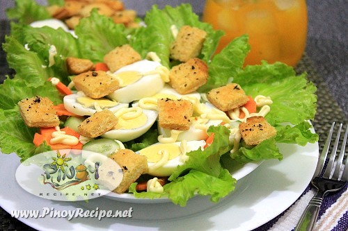Egg Lettuce Salad with Garlic Herb Croutons