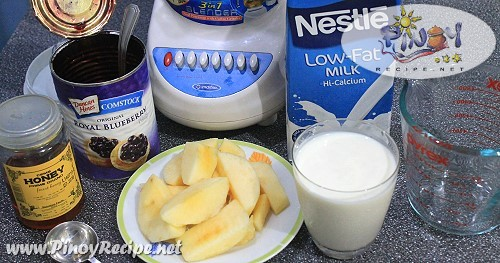 apple blueberry yogurt smoothie ingredients
