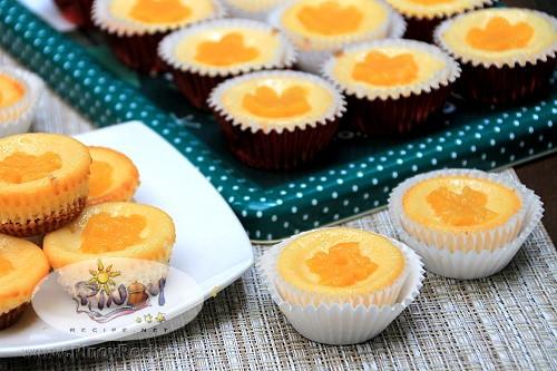 Cream Cheese Tarts with Peaches Recipe