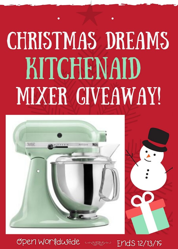 It\'s that time of year again, the holidays are here and Christmas is just right around the corner. Come and Join this Christmas KitchenAid Mixer Giveaway.