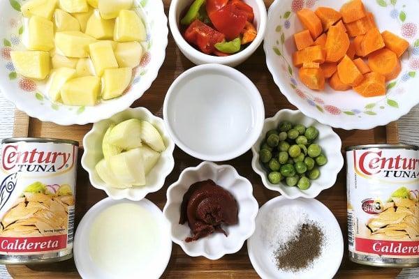 Ingredients of Tuna Caldereta