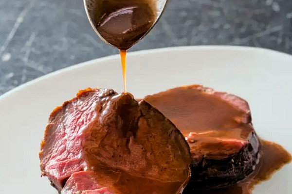 Date and Red Wine Sauce
