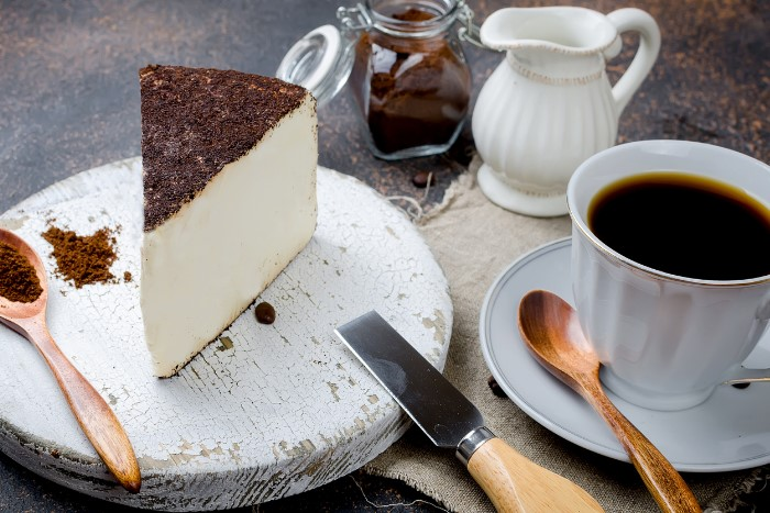 Cheesecake with Long Black coffee